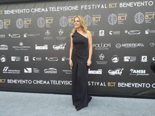 Claudia Gerini omaggia Federica Angeli e Monica Vitti